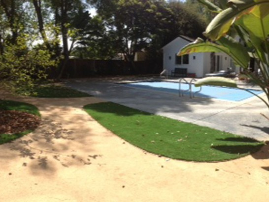 Artificial Grass Photos: Turf Grass East Dublin, Georgia Lawns, Above Ground Swimming Pool
